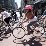 bike-crowd-7th-bway-9921