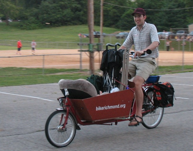 """bakfiets: """"It can haul groceries"""""""