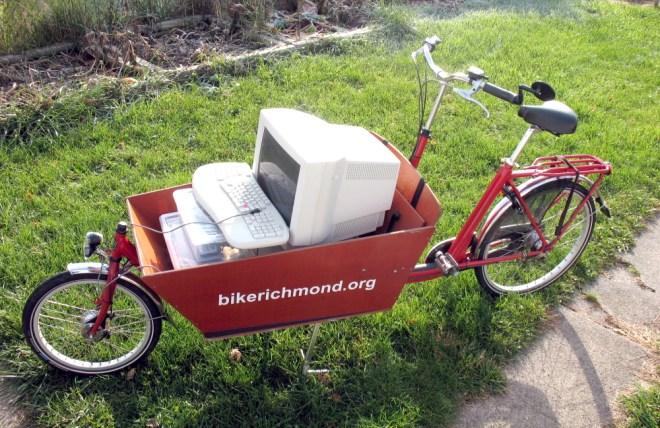 bakfiets as wheelbarrow