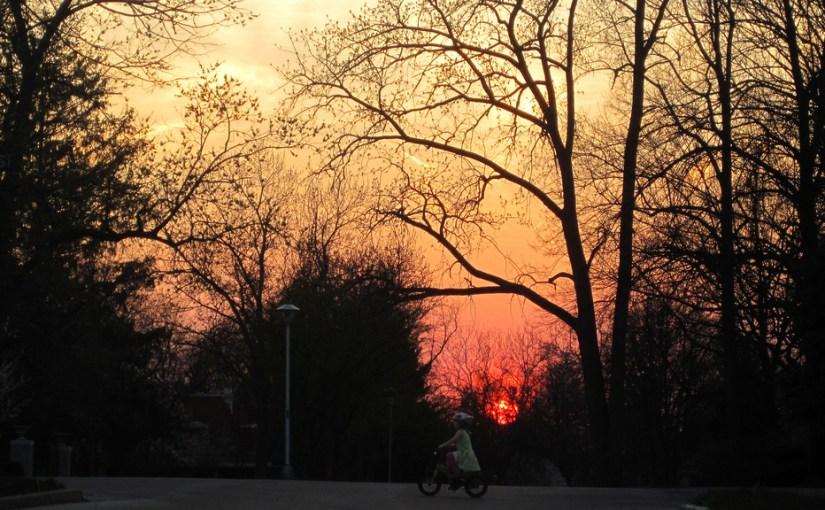 An evening of biking with the children
