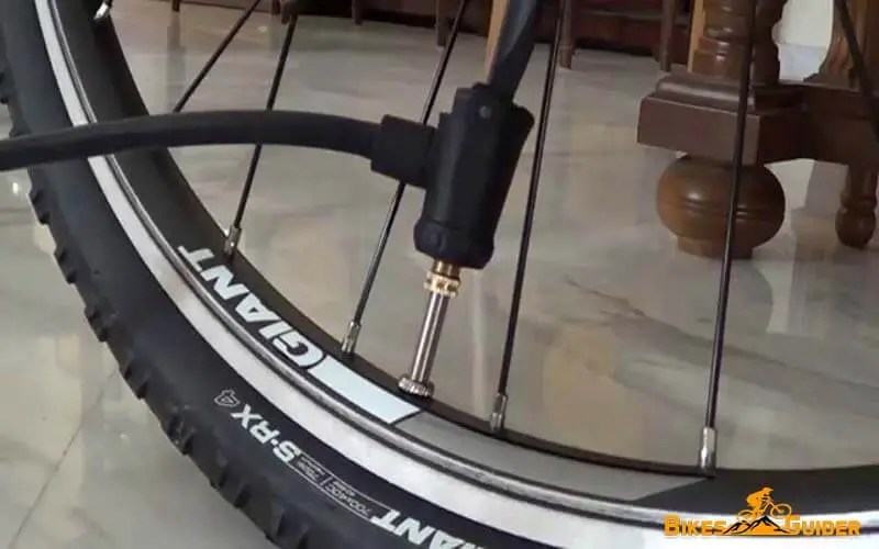 Pump Bicycle Tire Through Schrader Valve