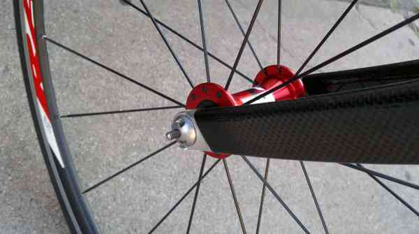 A Pinhead skewer keeping your wheel safe.
