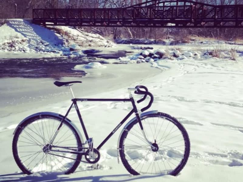 bike-with-fenders-in-winter