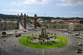 11 // Photo from: http://barcelona-home.com/blog/wp-content/upload/2013/11/placa-espanya-barcelona-spain.jpg