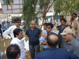 @buriroGM After heavy rain in HYDERABAD Sindh Minister @jamkhanshoro visited the city with District Admin & PPP Office Bearers 1