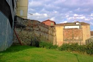 Muro trasero de la Encarnación.