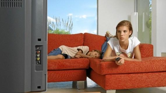 Los adolescentes donostiarras, considerados los consumidores menos adictos al sector televisivo