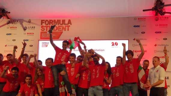 El 'Fórmula Student' de la Escuela de Ingeniería de Bilbao revalida en Silverstone el primer puesto en la prueba Business Case