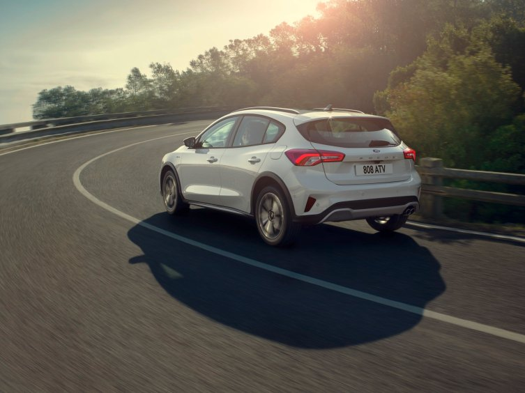 FORD_2018_FOCUS_ACTIVE__26