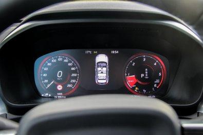 Volvo_XC40_46