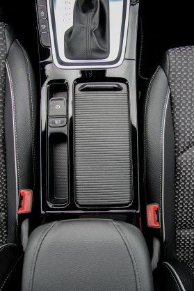 Ny_KIA_Ceed_Hatchback12