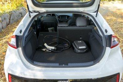 Hyundai_IONIQ_electric (50)