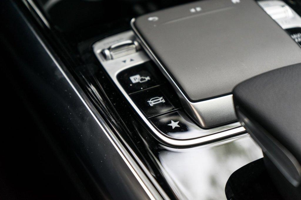 Mercedes-Benz B 180 knapper