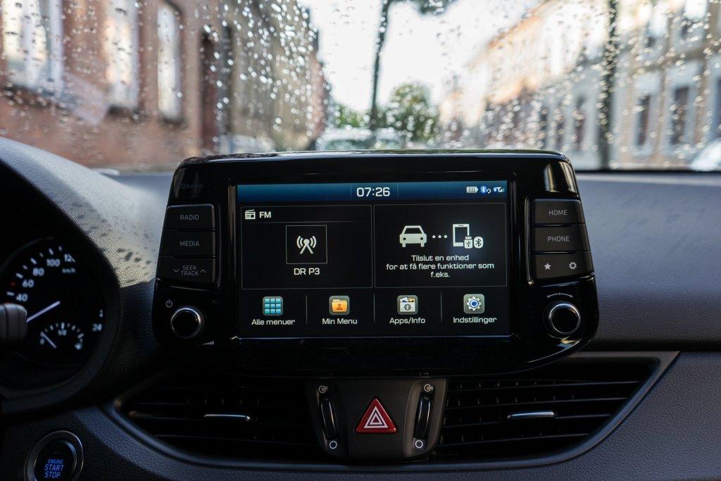 Hyundai i30 N-Line infotainment