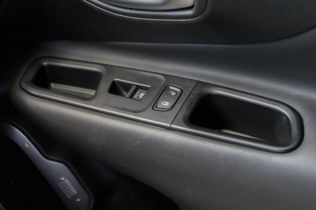 Jeep Renegade dør
