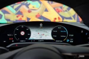 Porsche Taycan instrumentbræt