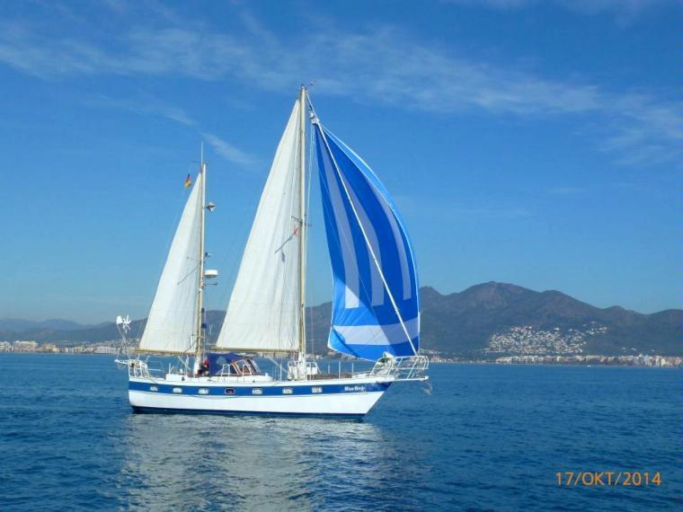 Segelyacht Ketsch In Marina DEmpriabrava Segelschiffe