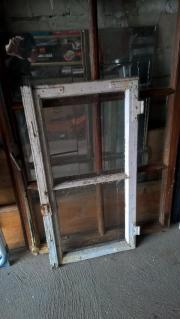 Alte Sprossenfenster, Holzfenster zum Dekorieren z.T mit