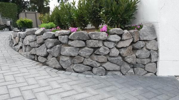 Basalt Natursteine Trockenmauer Bruchsteine