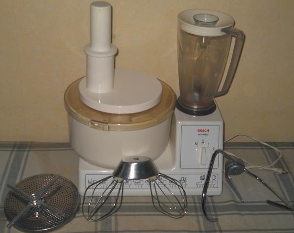 Bosch Universal Kchenmaschine MUM 6 mit Zubehr und Mixer in Kronweiler  Haushaltsgerte