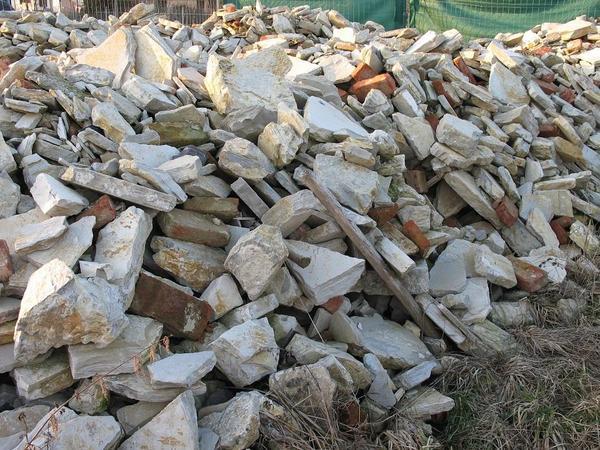 Kalksteine Jura Bruchsteine Trockenmauer In Buxheim