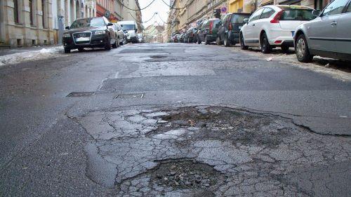 Die Louisenstraße zerbröselt.