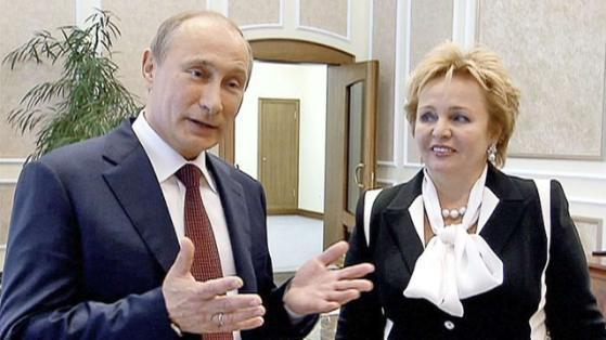 """Im Sommer 2013 gab Putin die Absicht bekannt, sich von seiner Ehefrau Ljudmila (56) scheiden zu lassen. Eine Begründung: """"Wir sehen uns praktisch kaum"""""""