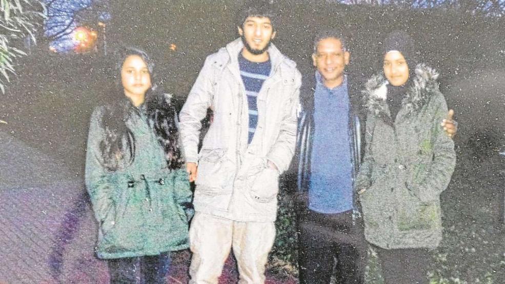 Bilal mit seinem Vater und seinen Schwestern