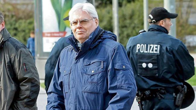 Auf Befehl von ganz oben: Polizei musste Alsterhaus-Randalierer laufen lassen