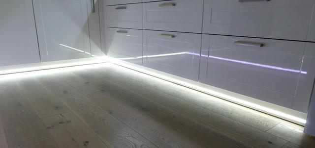LED Beleuchtung  LED Leisten fr Mediawand