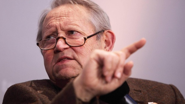 The 80-year-old Günter Schabowski: Here in 2009 in a podium discussion. (Source: imago images / Hoffmann)