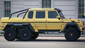 Hoffentlich halten Londons Straßen die knapp vier Tonnen des goldenen Mercedes G 63 AMG 6x6 aus.