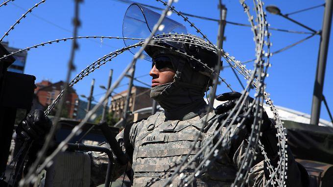 US-amerikanischer Nato-Soldat im Kosovo: Das Verteidigungsbündnis hat wesentlich mehr Informationen über aktuelle Krisen, als es preisgibt.