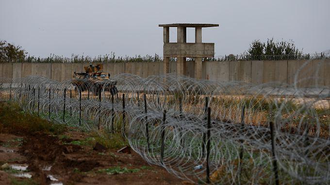 Ein Mauerabschnitt bei Besarslan im Westen der syrisch-türkischen Grenze. (Foto: REUTERS)/n-tv