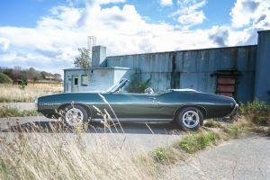 Pontiac an der alten Halle Bild 1