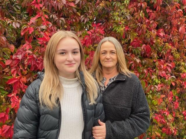 Alma och Annette Gustafsson bildade en tobaksfri duo under Almas år på högstadiet. Ett självklart val för både mor och dotter. Bild: Amanda Gustafsson