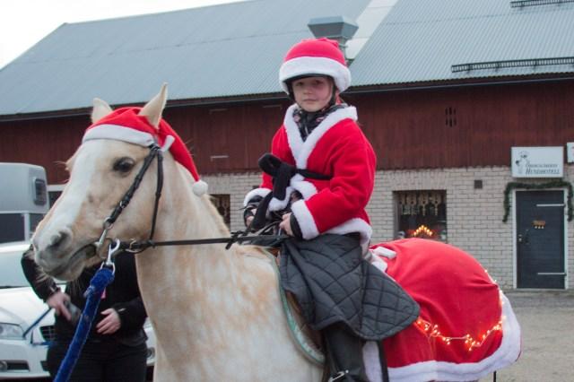 För Wilma Härdin var det första året hon red med i paraden genom Valbo.