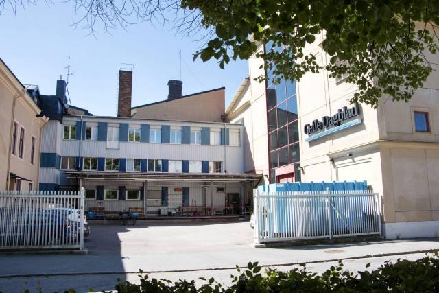 Gefle Dagblads gamla hus. På bilden syns två skorstenar som kan ha fått oväntat besök i höstas.