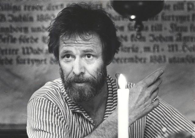 3 maj 1988: Sven Wollter var stammis på Skeppet under sina år i Gävle 1983 till 1986. Här gjorde han ett återbesök med två föreställningar hos Folkteatern i Gävle i en artikel publicerad i Gefle Dagblad 4 maj 1988. Kulturredaktör Björn Widegren möte honom och vi fick citat som