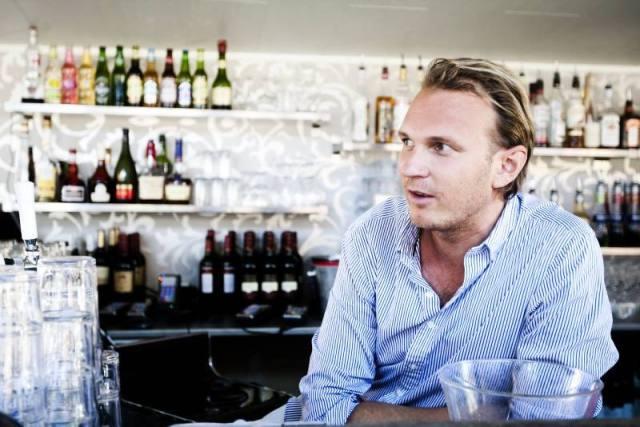 Martin Lenell, som tidigare bland annat drivit Söderhielmska och Bryggan, är en av personerna bakom bolaget som nu sökt serveringstillstånd för  skybaren i Fullriggaren.