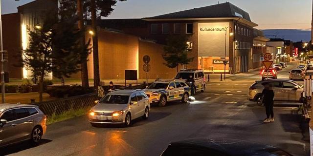 Mordförsöket inträffade på en parkering i centrala Sandviken. Foto: Andreas Björklund.