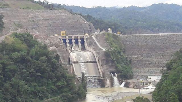 Dammen i Reventazón-floden i Costa Rica uppfördes 2016. Goran Milutinovics metod hade placerat den på samma ställe. Foto: Rodtico21/Wikimedia commons.