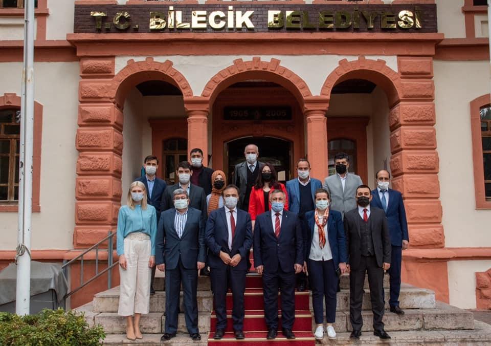 AK Parti'nin yeni yöneticilerinden ziyaretler