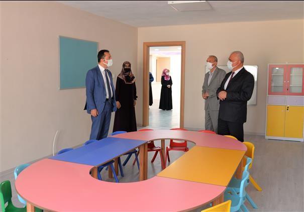 Vali Şentürk, Kur'an kursu binasında incelemelerde bulundu