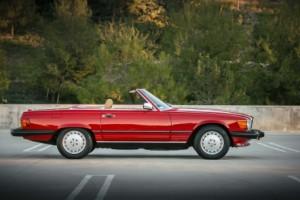 Det er svært at forestille sig en smukkere profil på et køretøj - selv i den amerikanske udgave som hér.