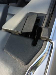 En knækket plastictap betyder at dækslet ikke lukker til, og det duer jo ikke - et nyt skulle være på vej...