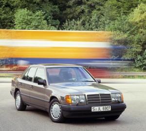 Den store turbodiesel kunne kendes fra de mindre modeller på de små vandrette luftindtag i højre forskærm