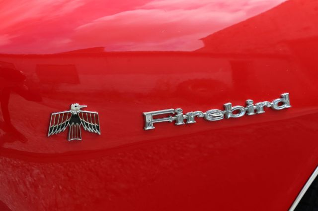 Pontiac Firebird 400 logo på forskærm
