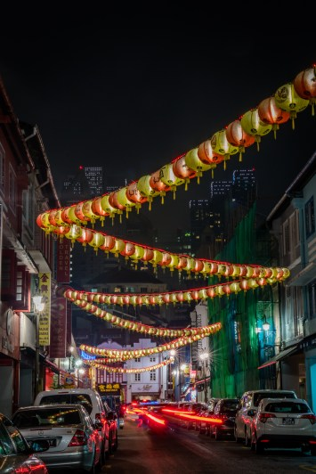 chinatown-singapore-car-lights-night-photography-string-lights