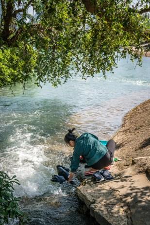laundry-yulong-river-choayang-village-guilin-china